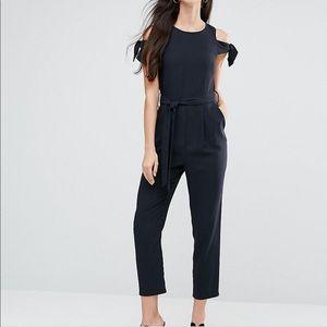Asos tie cold shoulder jumpsuit size 6